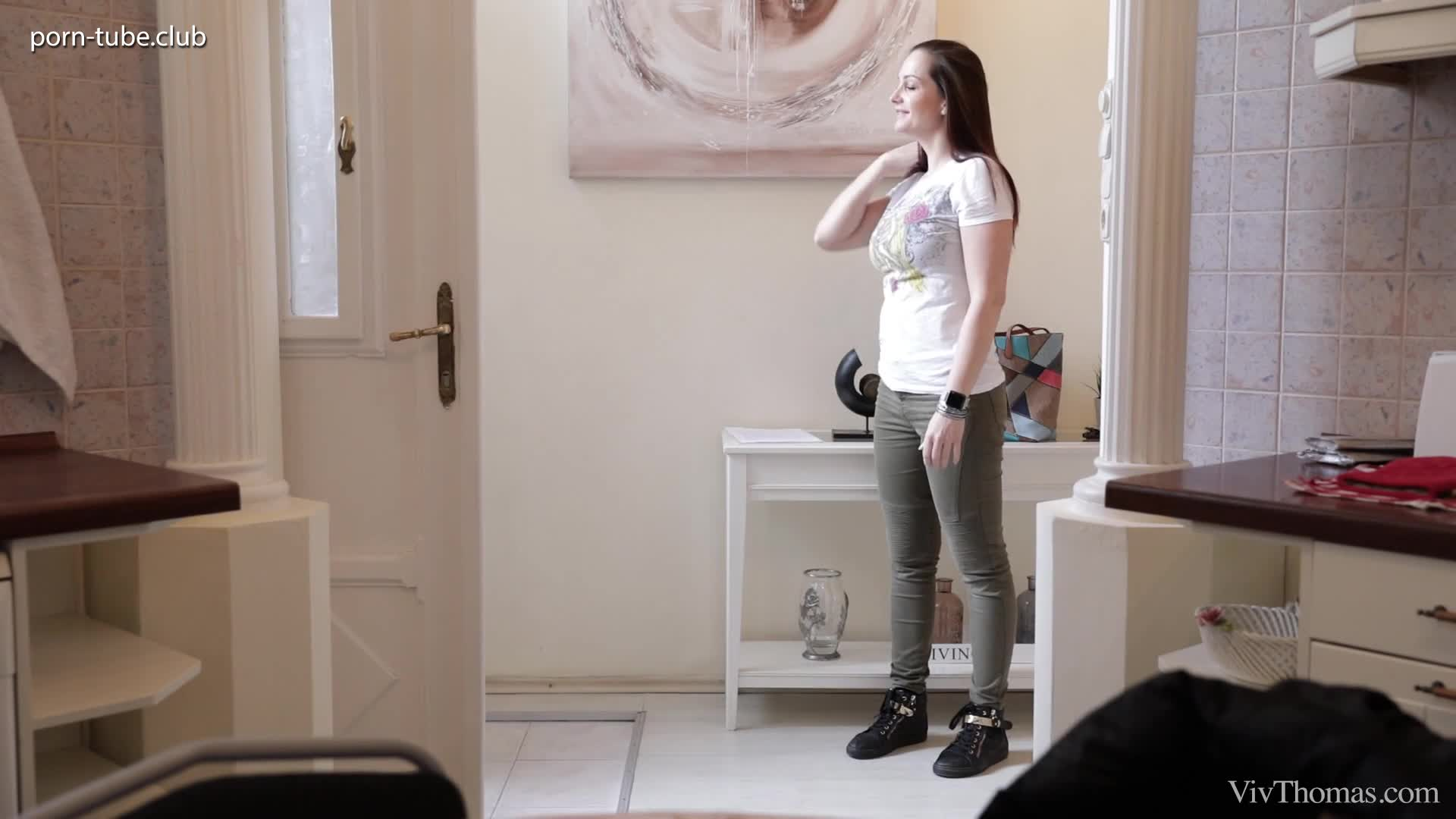 VivThomas 17.03.15 Eve Angel Olivia Grace And Rebecca Volpetti Reveal