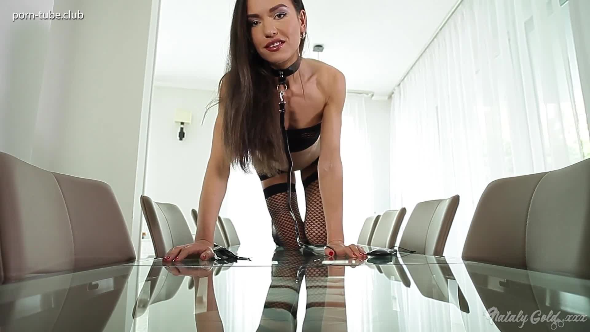NatalyGoldAss 17.01.06 Solo Fetish On A Glass Table