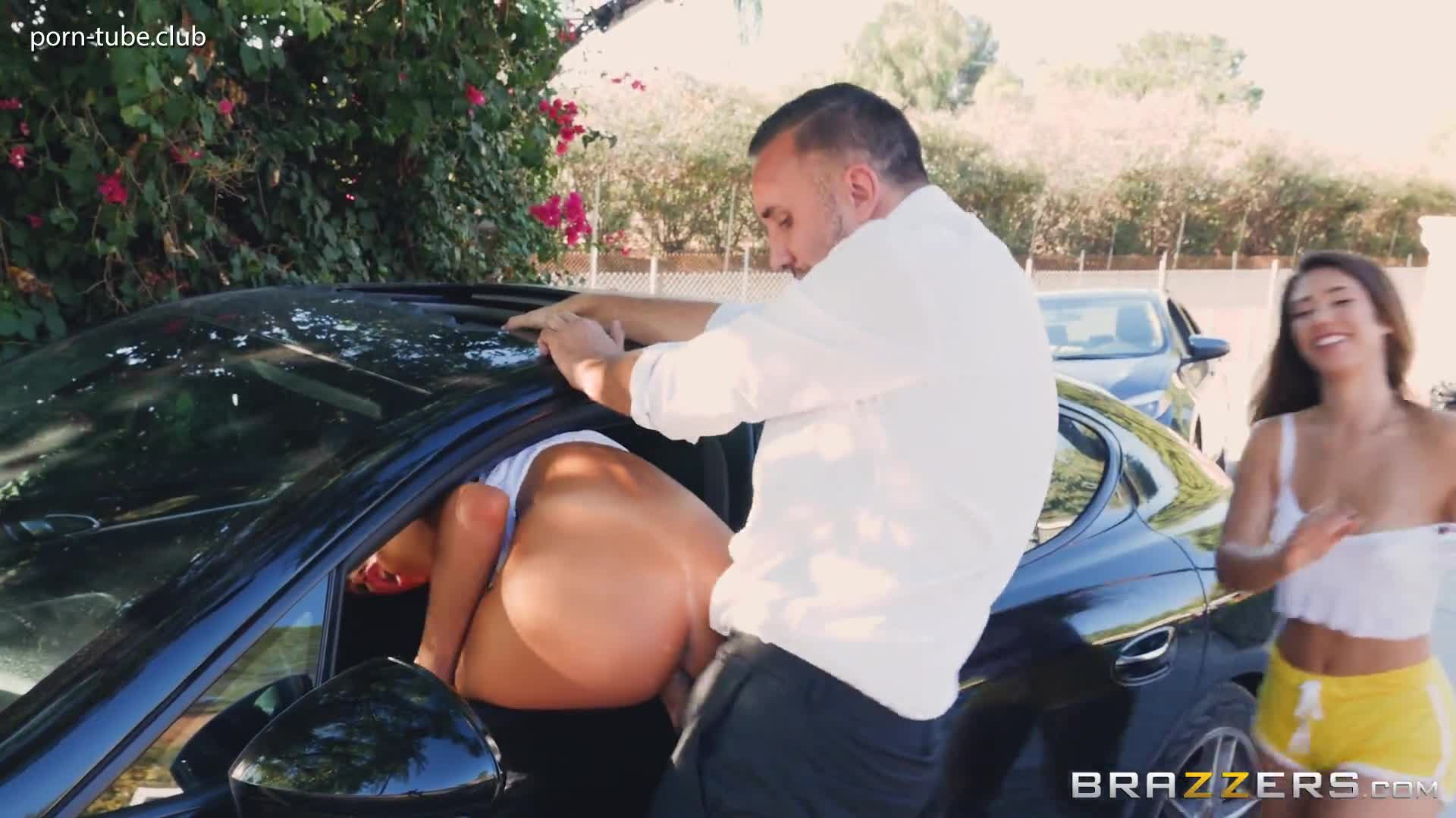 BabyGotBoobs 17.10.04 August Ames And Eva Lovia Pulled Over Pussy