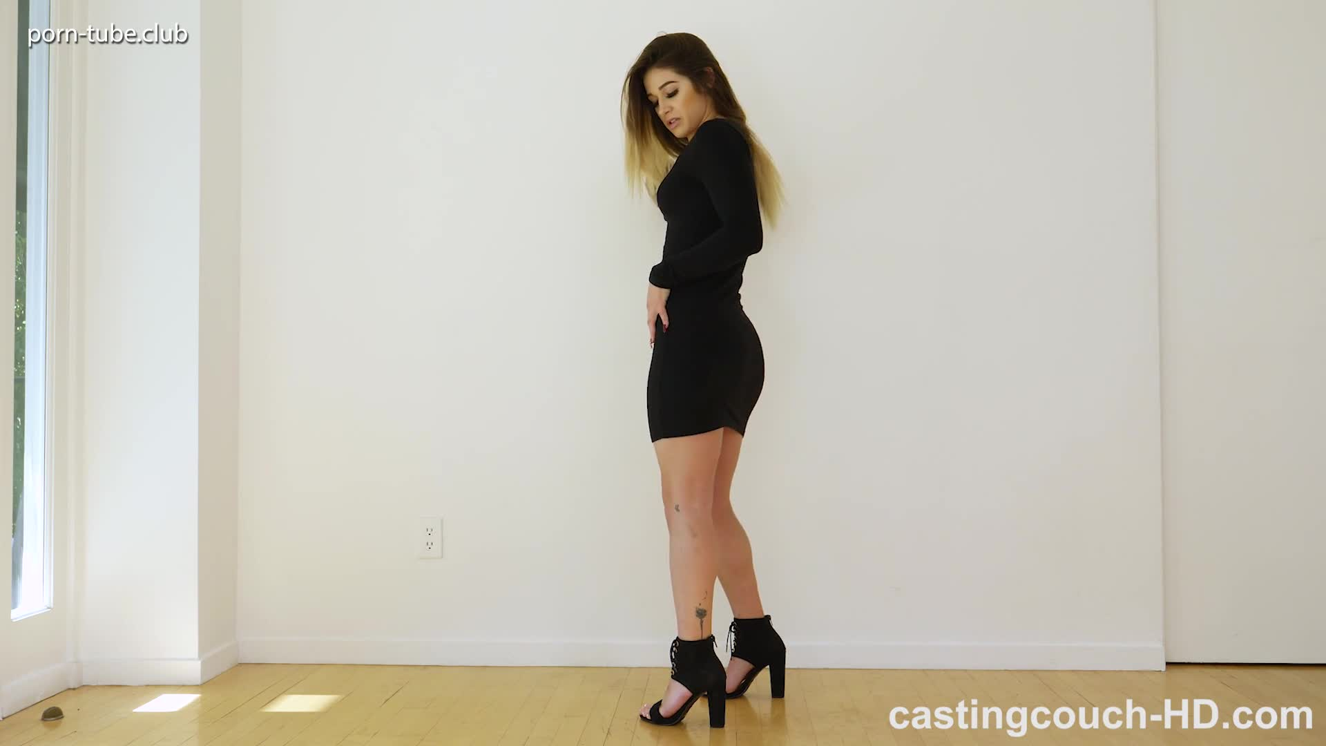 CastingCouch-HD 17.10.27 Holly