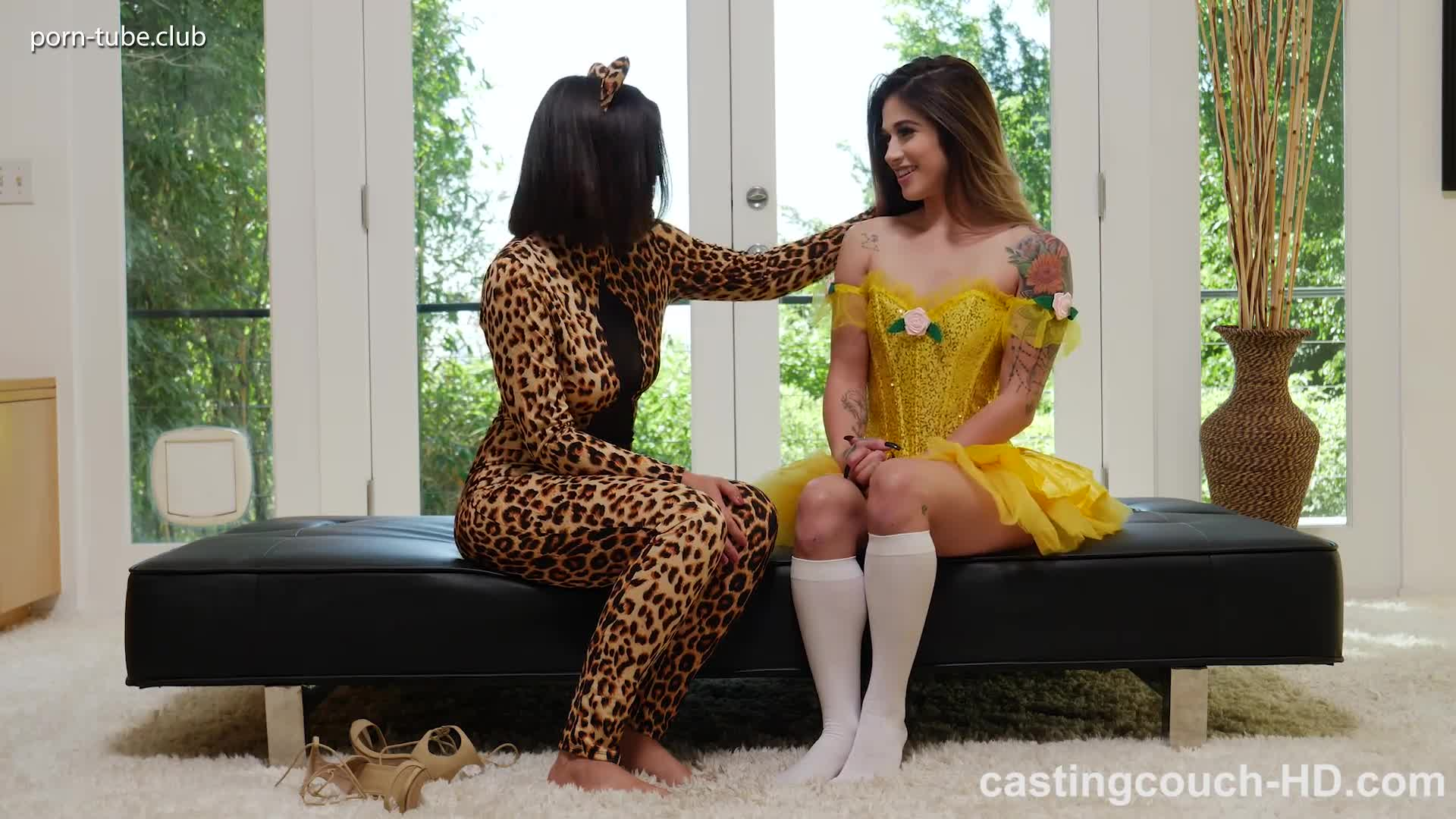 CastingCouch-HD 17.11.03 Holly And Kendra
