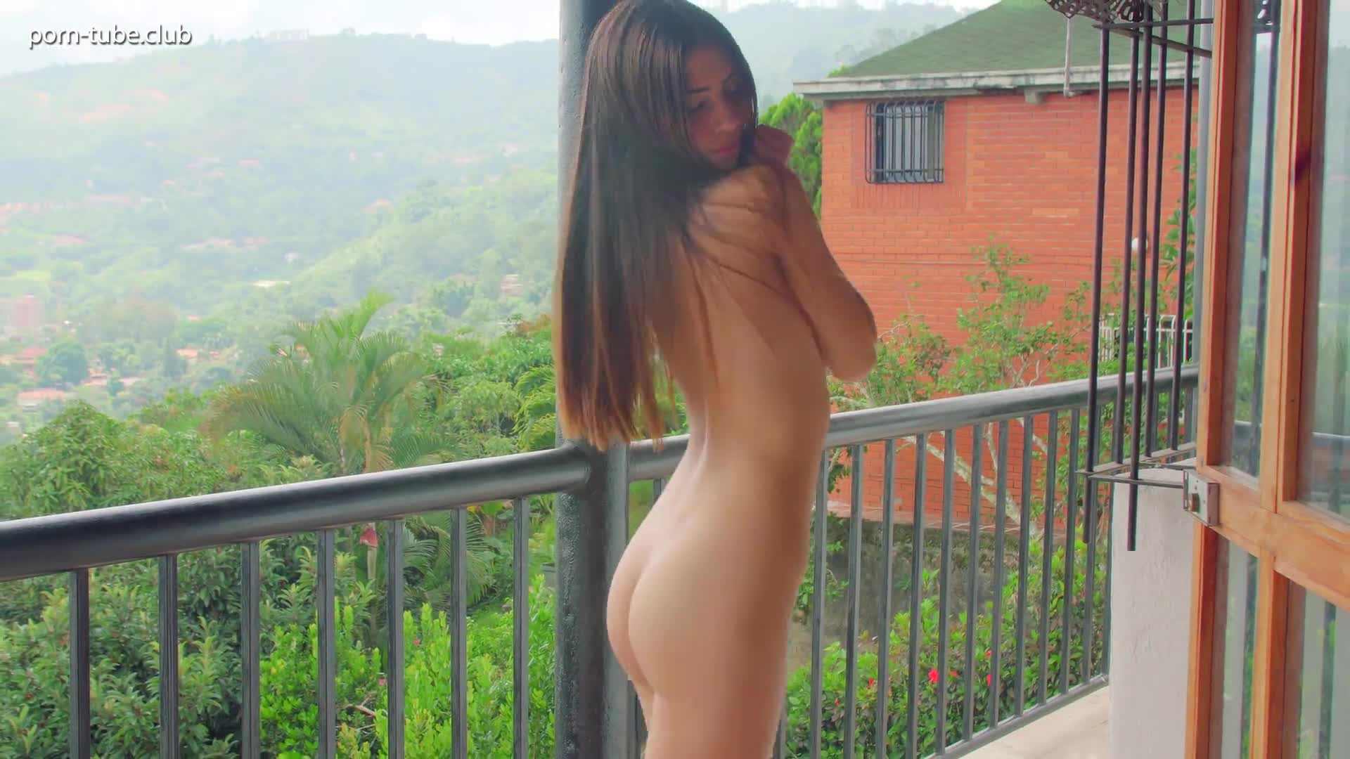 Watch4Beauty 17.12.15 Mily Mendoza Balcony Show