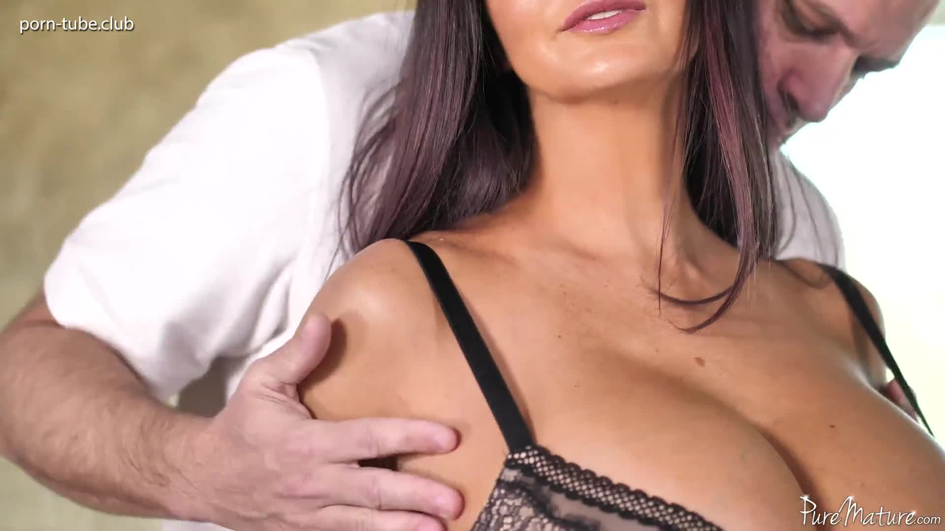 PureMature 17.12.31 Ava Addams Breasts And Body Rub