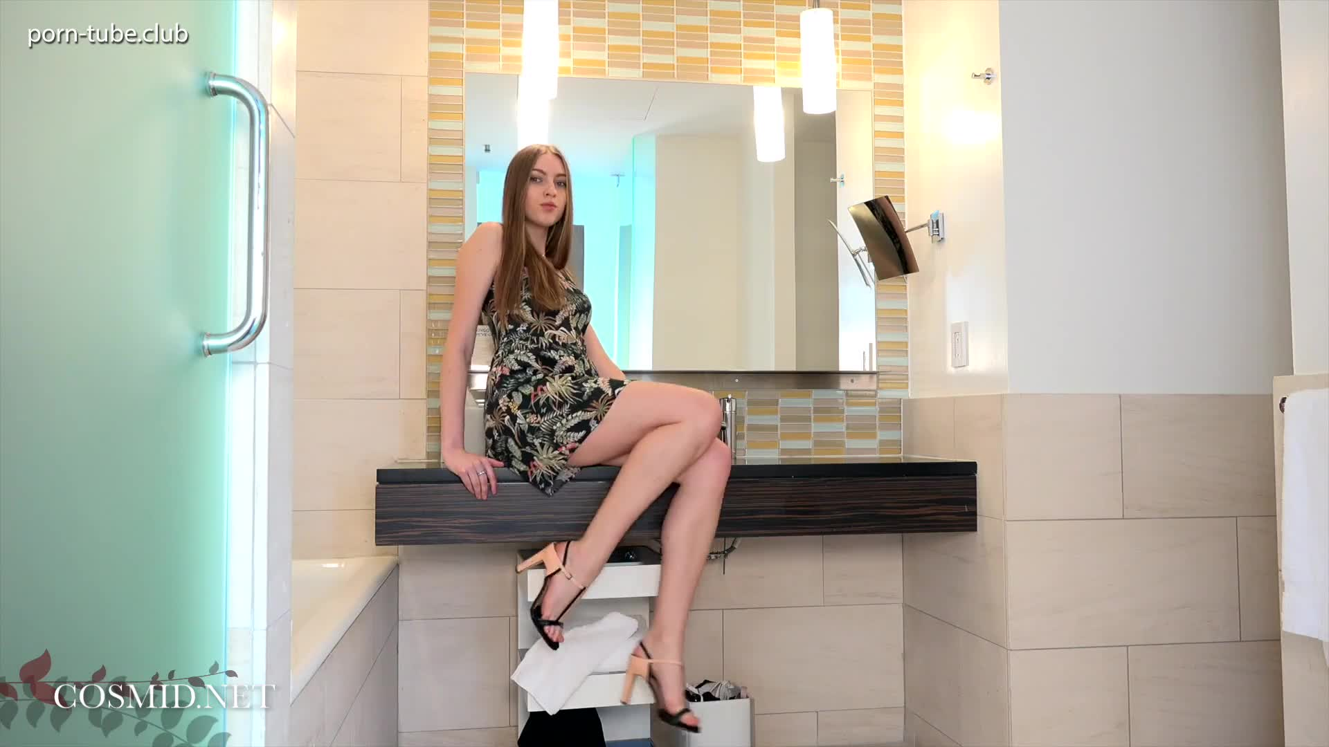 Cosmid 18.02.04 Lacey Nami In The Bathroom
