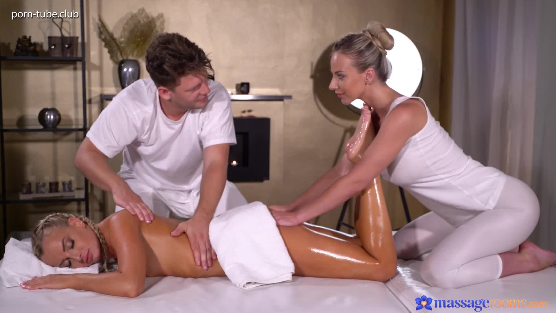 MassageRooms 18.07.18 Nathaly Cherie And Victoria Pure