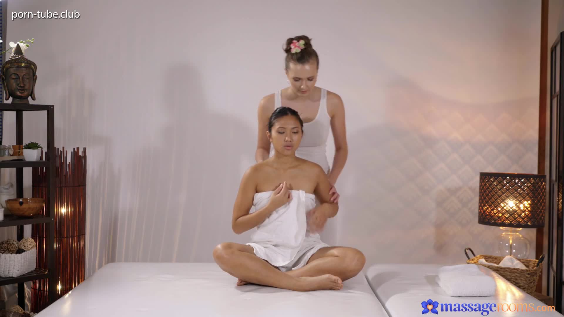 MassageRooms 19.10.26 Asian Teen May Thai And Stacy Cruz