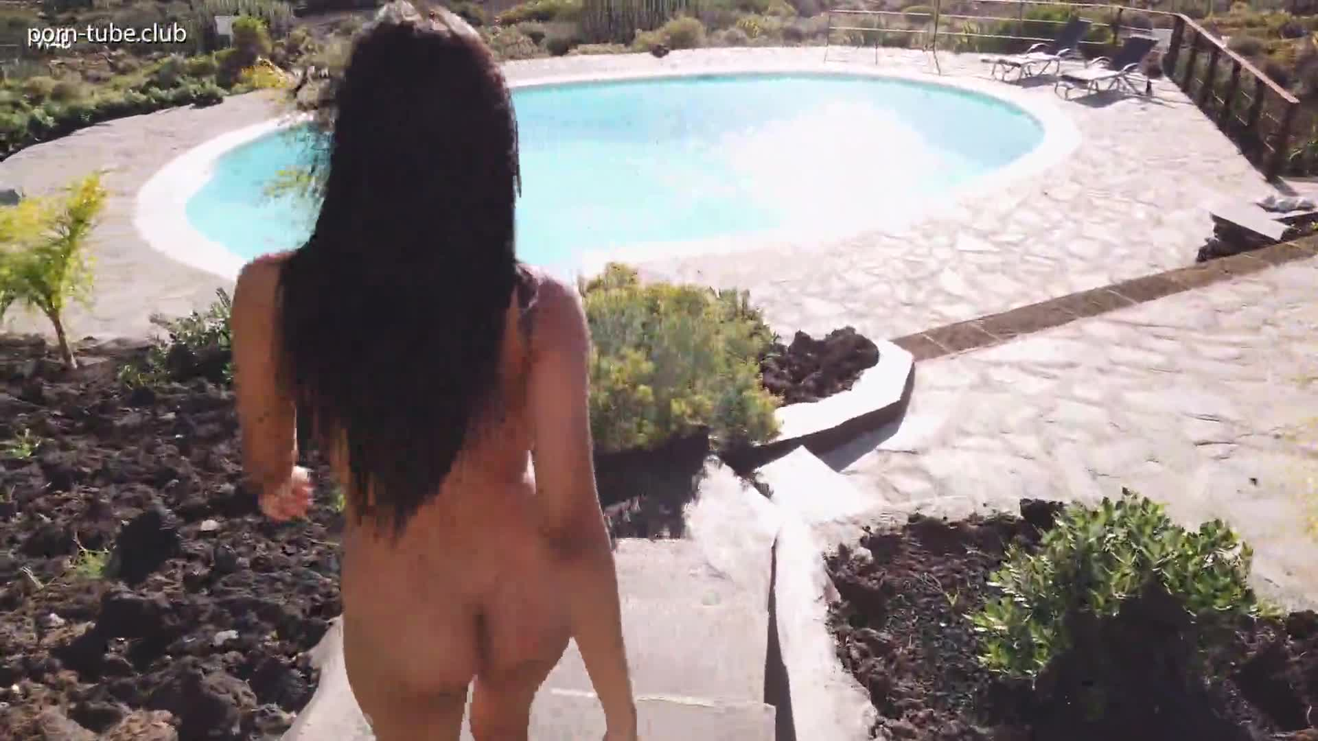Watch4Beauty 19.12.11 Karin Torres Pee by The Pool