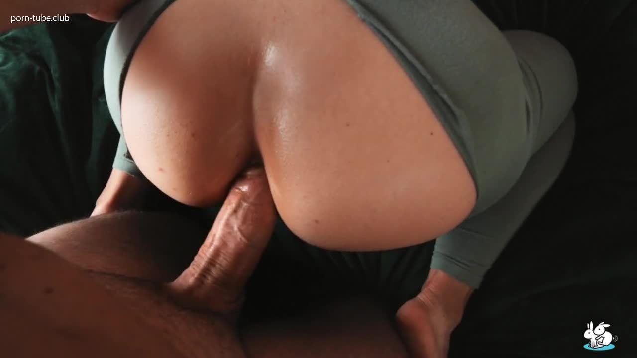 TrueAmateurs 20.10.16 Behind Milf Rips Her Yoga Pants To Get Fucked By Big Hard Cock