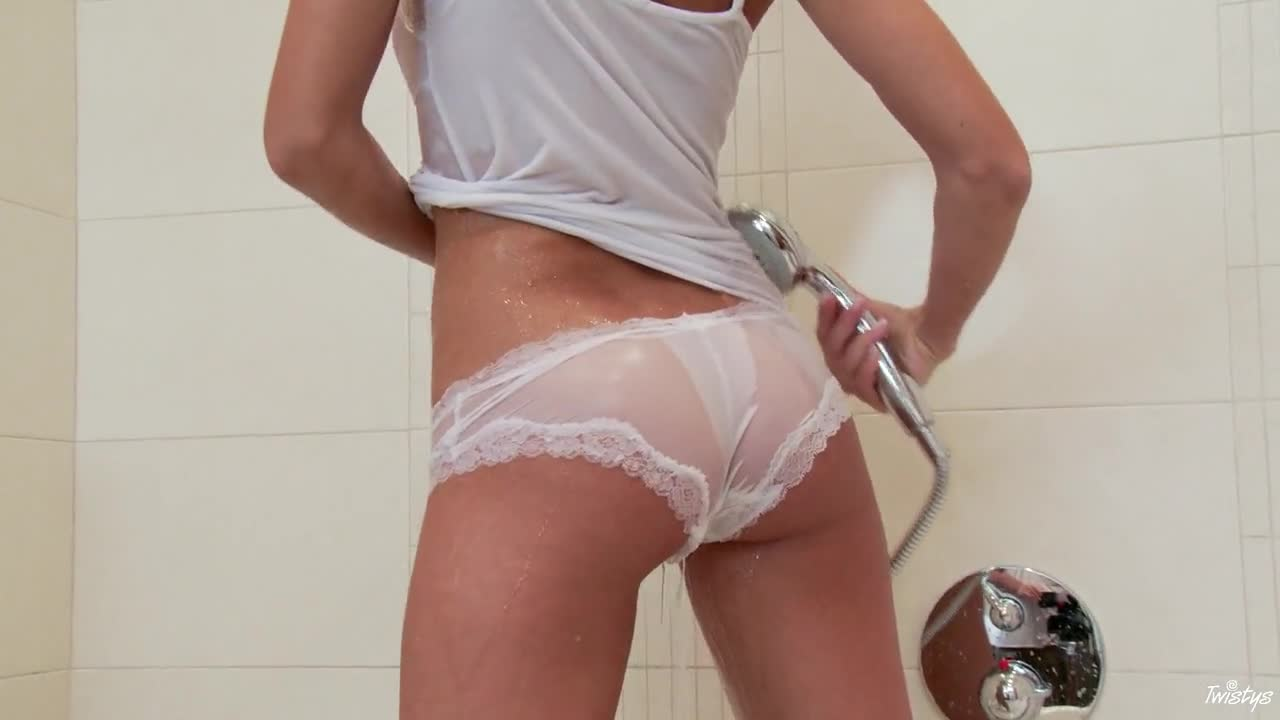 TWISTYS - Anneli masurbate in bathroom