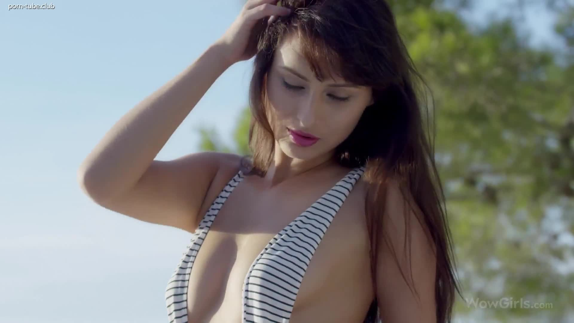 WowGirls - Yarina A Sunset Dream